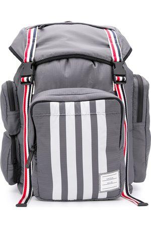 Thom Browne Mediumgrå ripstop-rygsæk med trefarvet webbing og 4-Bar-detalje