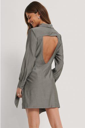 Stéphanie Durant x NA-KD Open Back Front Knot Mini Dress