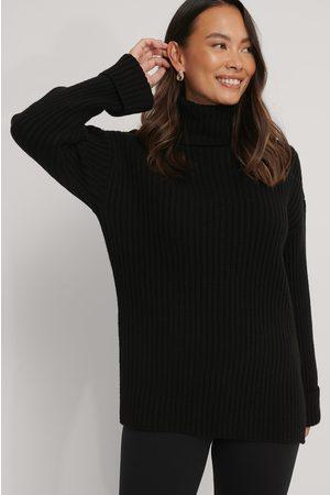 NA-KD Ribbed Knitted Turtleneck Side Slit Sweater