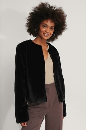 NA-KD Short Faux Fur Jacket