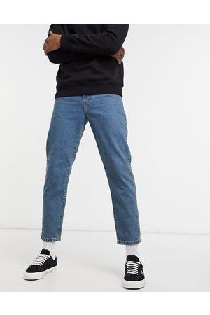 ASOS Klassiske rigide jeans i mid wash