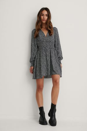 NA-KD Kvinder Kjoler - Structured Smocked Waist Dress