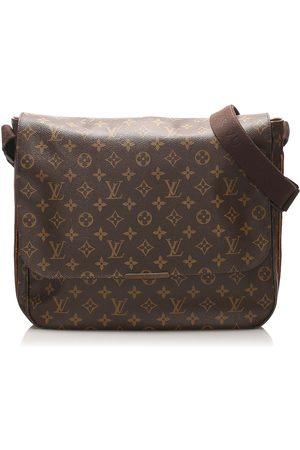 LOUIS VUITTON Monogram Beaubourg MM Canvas