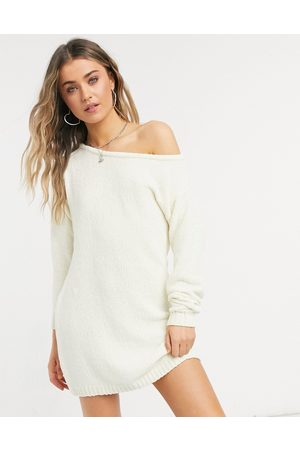 In The Style X Billie Faiers - Off-shoulder sweaterkjole i