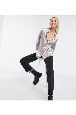 In The Style Oversized satinskjorte i grå - Kun hos ASOS