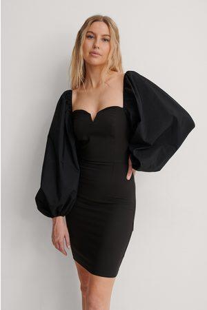 Trendyol Kvinder Bodycon kjoler - Minikjole Med Ballonærmer