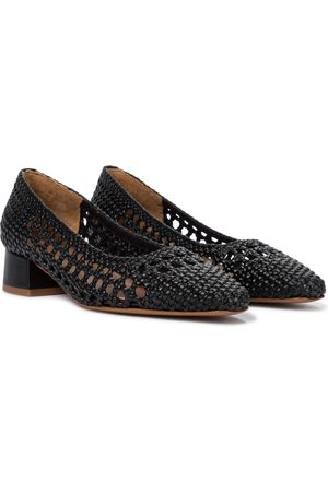 Souliers Martinez Exclusive to Mytheresa – Amapola 30 woven leather pumps