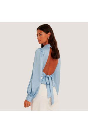NA-KD Open back blouse