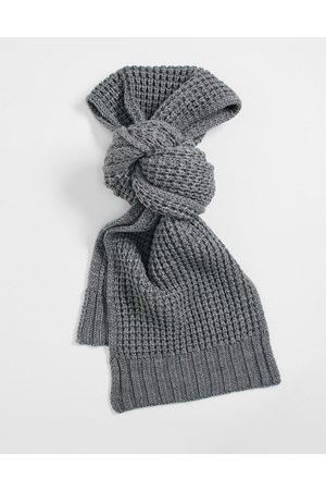 AllSaints AllSaints - Gråmeleret tørklæde med kraftige syninger
