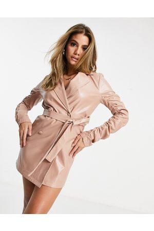 I saw it first Blazer-kjole med rynkede ærmer i støvet lyserødt polyurethan