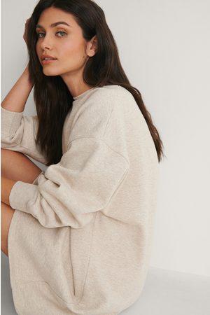 NA-KD Økologisk Oversize Sweatshirt Kjole