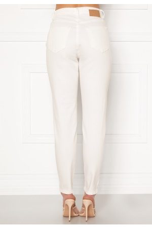 Pieces Leah Mom HW Jeans Bright White XS