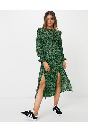New Look Midikjole med skulderpuder i grønt blomstermønster