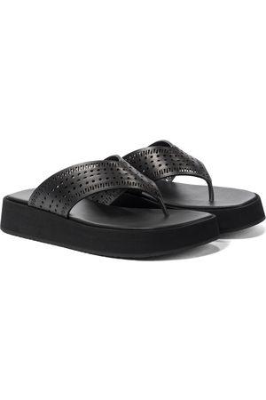 Alaïa Kvinder Sandaler - Laser-cut leather thong sandals