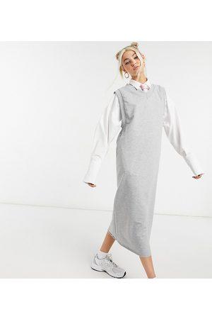 adidas Gråmeleret midi-sweatshirtkjole i tanktop-snit med dybe ærmegab
