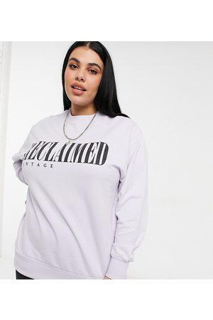 Reclaimed Vintage Inspired Plus - Lyslilla sweatshirt med logoprint