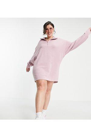 COLLUSION Plus - Forvasket lyserød kjole med ståkrave - Kun hos ASOS