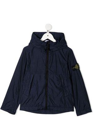 Stone Island Tech jakke med hætte og logomærke