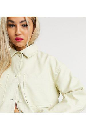 COLLUSION Ecrufarvet skjortejakke i imiteret læder
