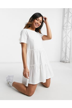 River Island Lagdelt t-shirt-kjole med smock-snit i