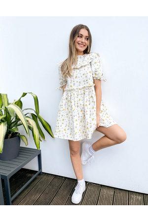 ASOS Smock-kjole med krave og flæser i denim med småblomstret print-Multifarvet