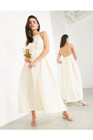 ASOS Clementine - Plisseret brudekjole med halterneck og åben ryg-Lyserød