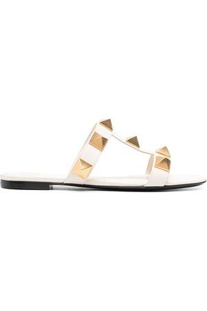 VALENTINO GARAVANI Kvinder Sandaler - Roman flade sandaler med nitter
