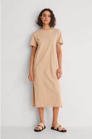 NA-KD Kvinder Casual kjoler - Økologisk T-shirtkjole Med Slidsdetalje