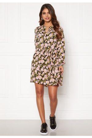 JACQUELINE DE YONG Carmen L/S Short Dress Black, aop:Flowers 36