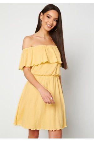 BUBBLEROOM Eliza offshoulder dress Light yellow S