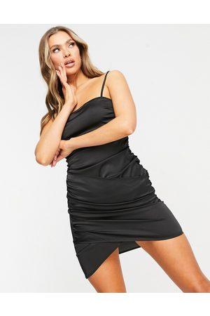 NaaNaa Slå-om bodycon-kjole i satin