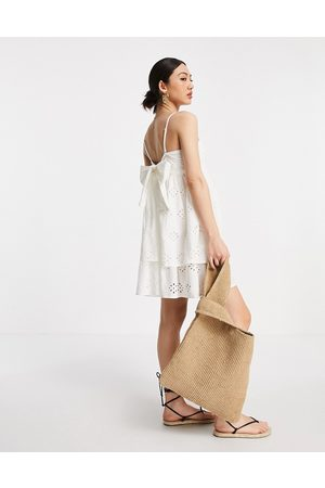 ASOS Kvinder Festkjoler - Broderet mini-sundress med bandeau-snit, dobbeltlag og bindebånd bagpå i