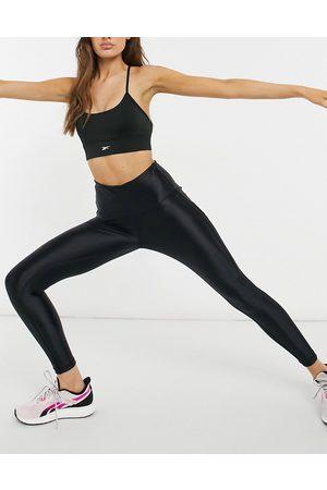 Reebok Training - Sorte leggings med paneler og overfladeglans
