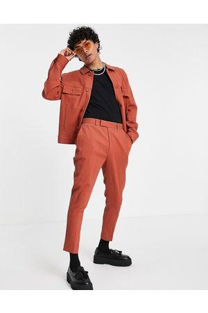 ASOS Rustrøde elegante tapered bukser i skinny fit med rynker - Del af sæt