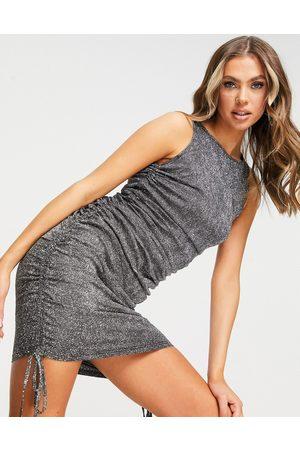 NaaNaa Højhalset bodycon-kjole med rynker og glimmer i