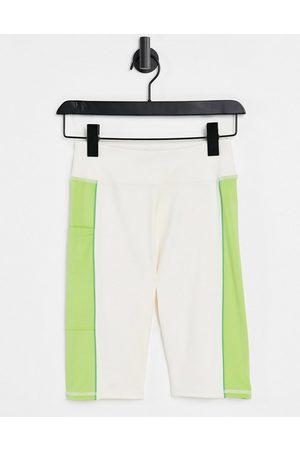 ASOS Leggingshorts med stribe i siden