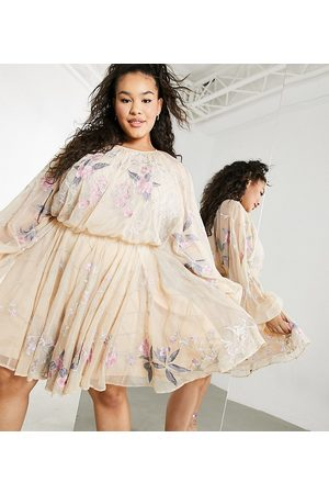 ASOS Curve - Kjole i mesh med perler og ballonærmer i blomstermønster-Lyserød