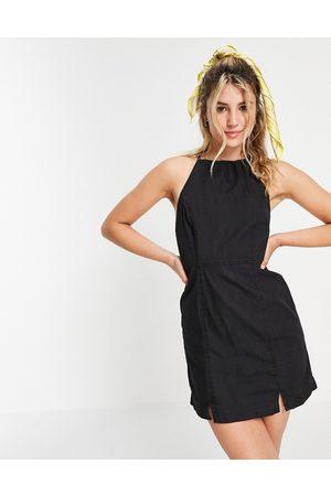 ASOS Slip-kjole med halterneck i blød denim