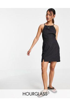 ASOS Hourglass - slip-kjole med halterneck i blød denim