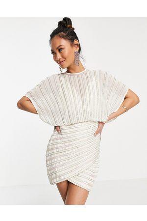 ASOS Minikjole med slå-om-nederdel og lineær udsmykning