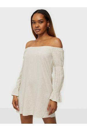 NLY Trend Kvinder Bandeaukjoler - Off Shoulder Linen Dress Loose fit dresses
