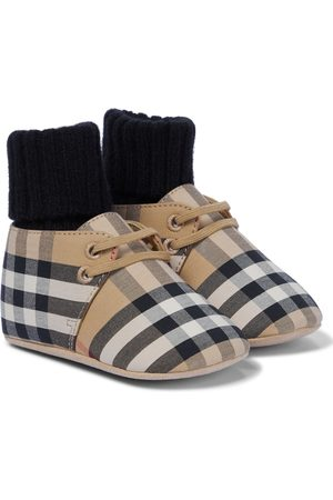 Burberry Vintage Check booties