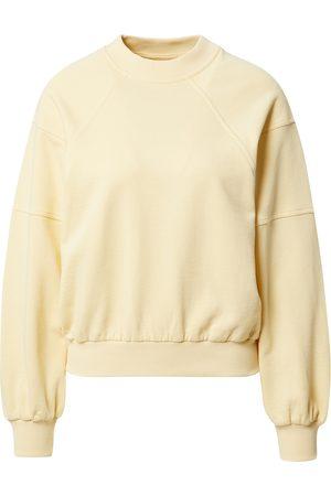 A LOT LESS Kvinder Sweatshirts - Sweatshirt 'Kate