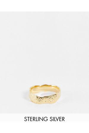 ASOS Mænd Ringe - Ring med smeltet look i sterlingsølv med guldbelægning