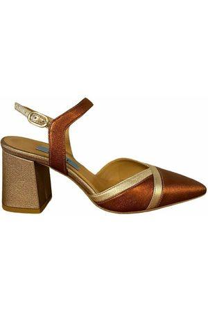 Apair Sandals