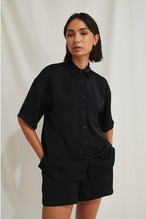 Moa Mattsson x NA-KD Kvinder Kortærmede skjorter - Kortærmet Skjorte I Overstørrelse