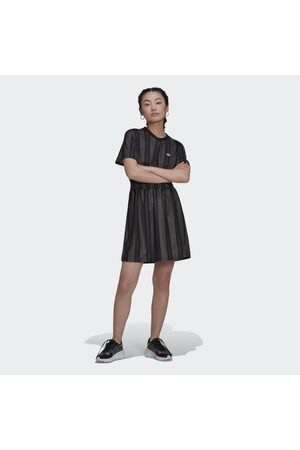 adidas Smocked Stripe kjole