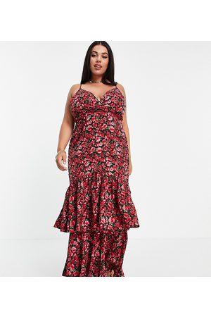 In The Style X Jac Jossa - Midikjole med peplum-kant og flæser i rødt blomstermønster