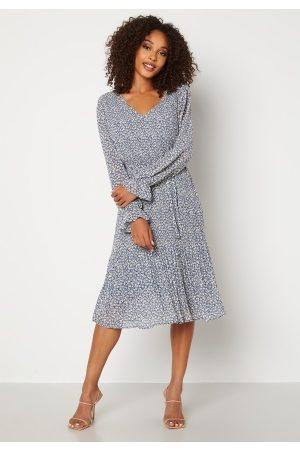 JACQUELINE DE YONG Emma L/S Pleat Below Knee Dress China Blue AOP White 34
