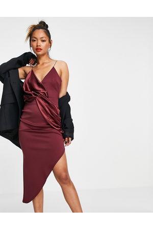 ASOS Kvinder Asymmetriske kjoler - Vinrød midikjole i satin-blanding med cami-stropper og asymmetrisk snoet front-Multifarvet